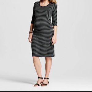 Liz Lange Maternity Striped Dress size Medium